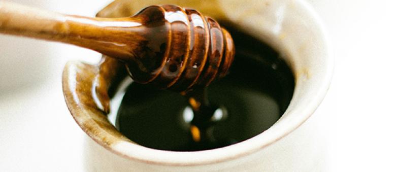 10 využítí medu, ktoré by ste mali poznať