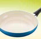 Univerzálne panvice šetria miesto v kuchyni