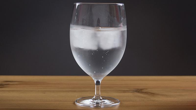Pitie studenej vody spaľuje kalórie