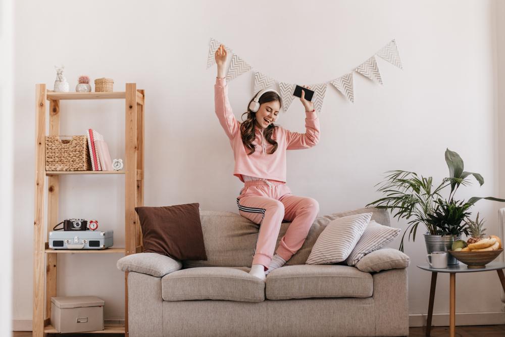 Štýlové teplákové súpravy – buďte elegantná asexi aj vpohodlí vášho domova!