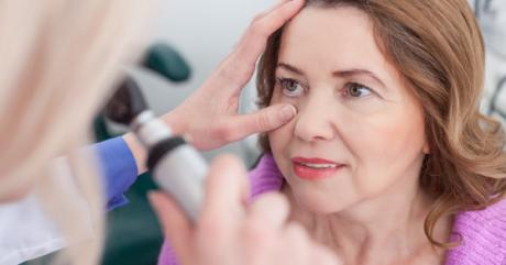 Trápia vás problémy so zrakom? Čo tak vyskúšať operáciu očí