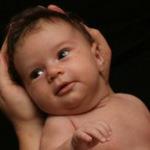 Čo je dojčenská kolika a ako sa prejavuje